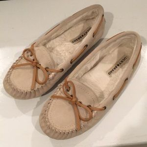 *NEW* Lucky Brand SZ 8 Suede moccasins!!
